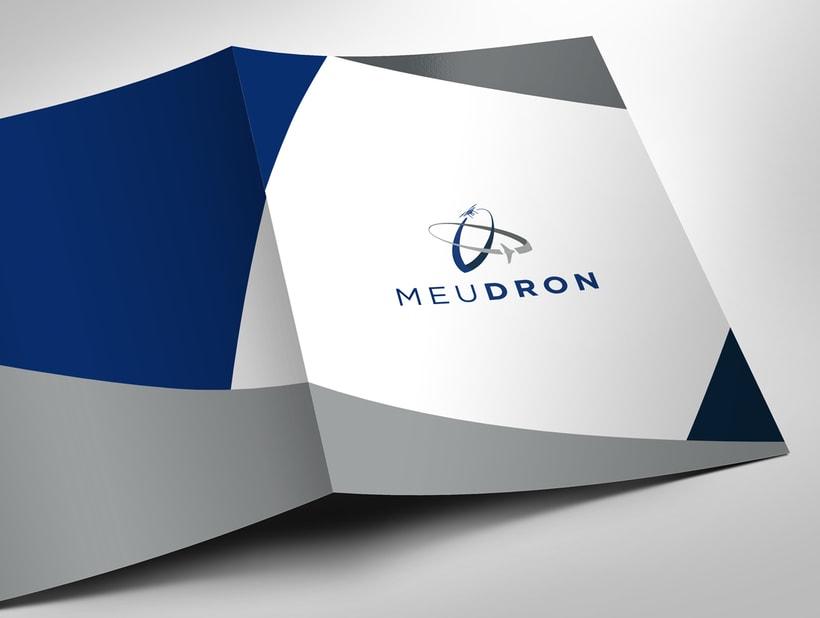 Logotipo, imagen de marca y diseño web, MeuDron 2