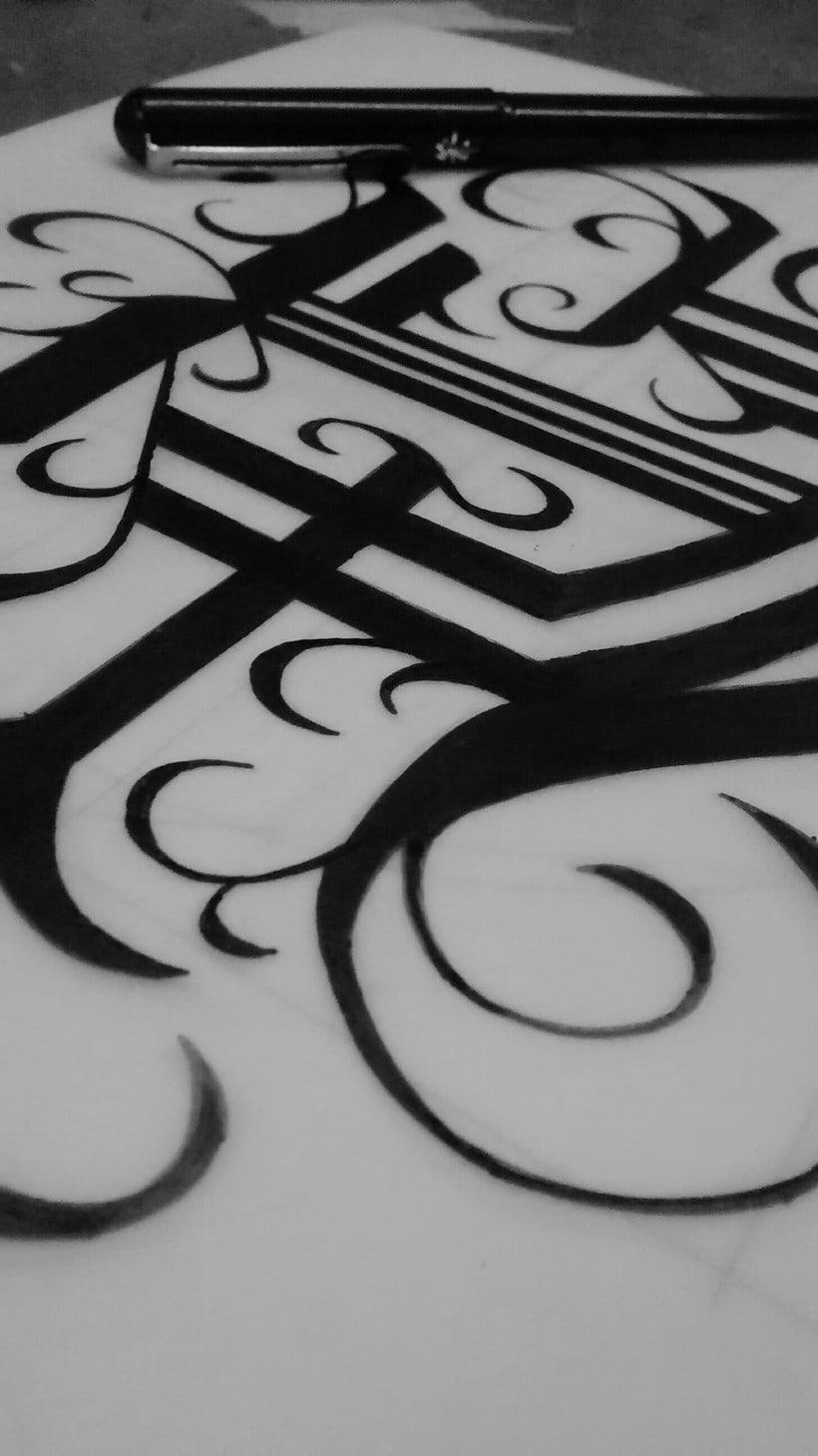 Monograma con estilo gótico: Eduardo García 3