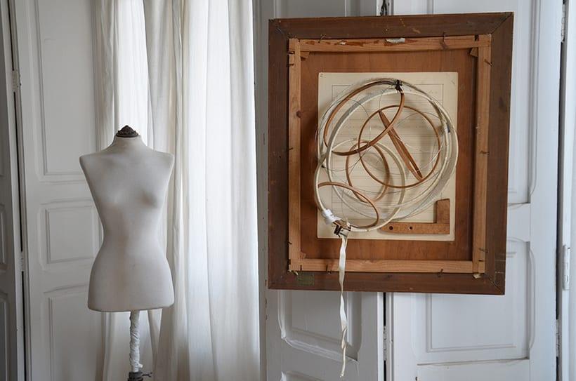 """""""Pensar fuera de la caja"""". Ensamblaje Escultura Collage Arte. Poesía visual. Material antigüo. Técnica Upcycling. 1"""