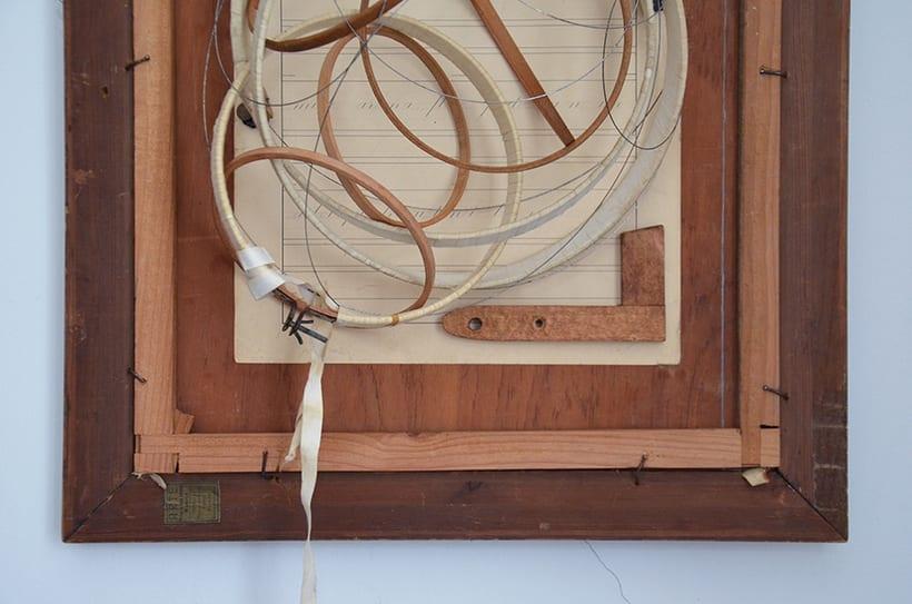"""""""Pensar fuera de la caja"""". Ensamblaje Escultura Collage Arte. Poesía visual. Material antigüo. Técnica Upcycling. 3"""