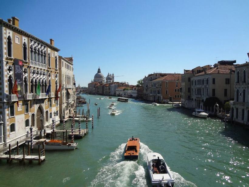 il canale - venezia Italia 7