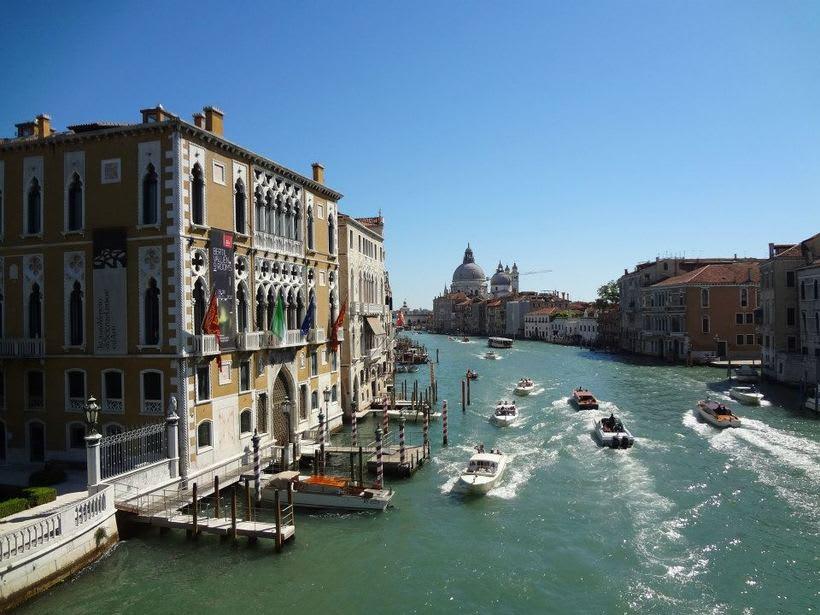 il canale - venezia Italia 8
