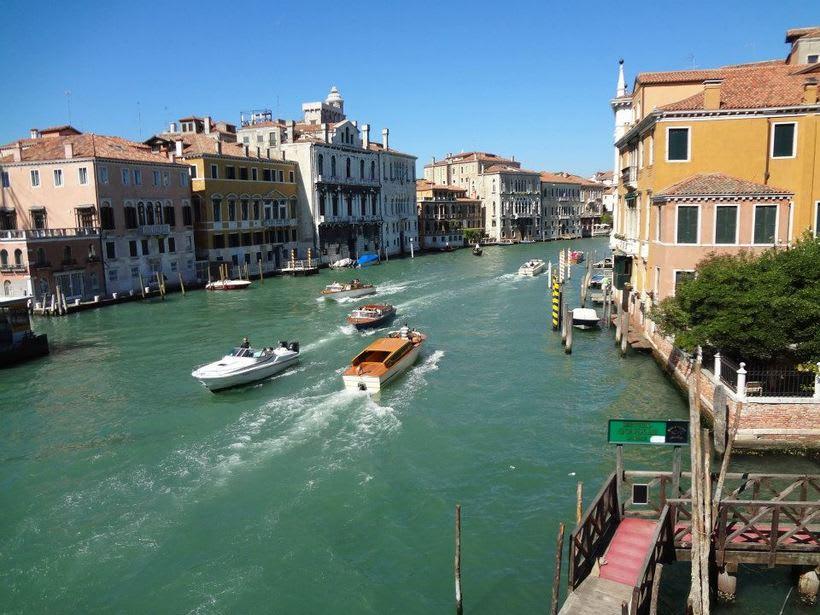 il canale - venezia Italia 9