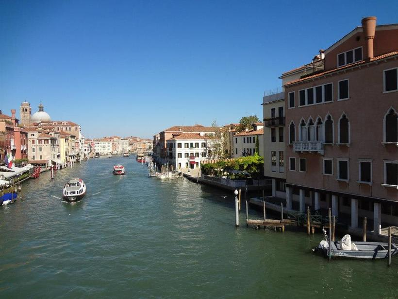 il canale - venezia Italia 16
