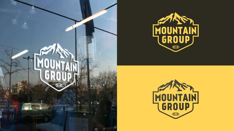 MOUNTAIN GROUP Tienda de equipamiento para actividades al aire libre. 9