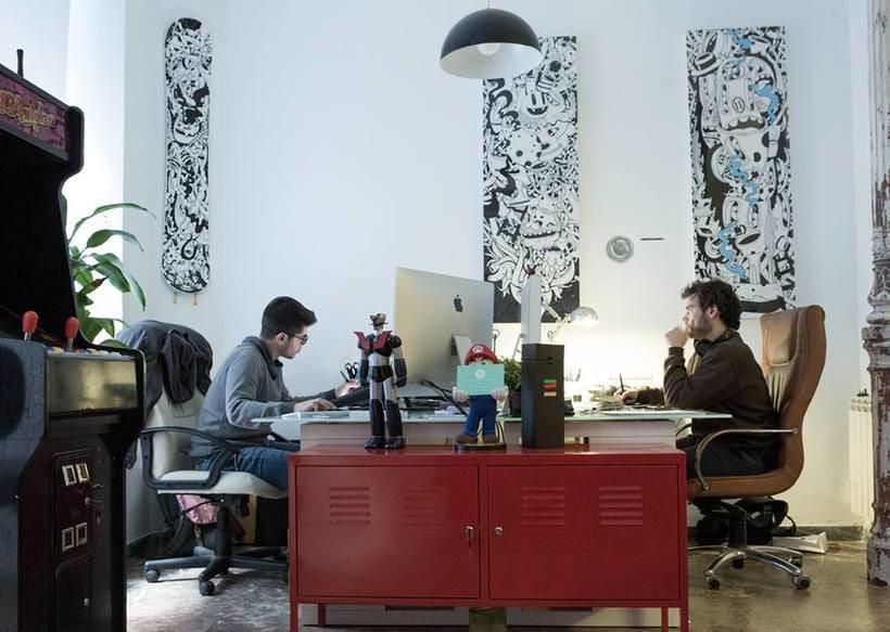 Alquiler de puesto de trabajo para diseñador, programador, ilustrador...en estudio compartido (coworking). Chamberí, Madrid centro. 4