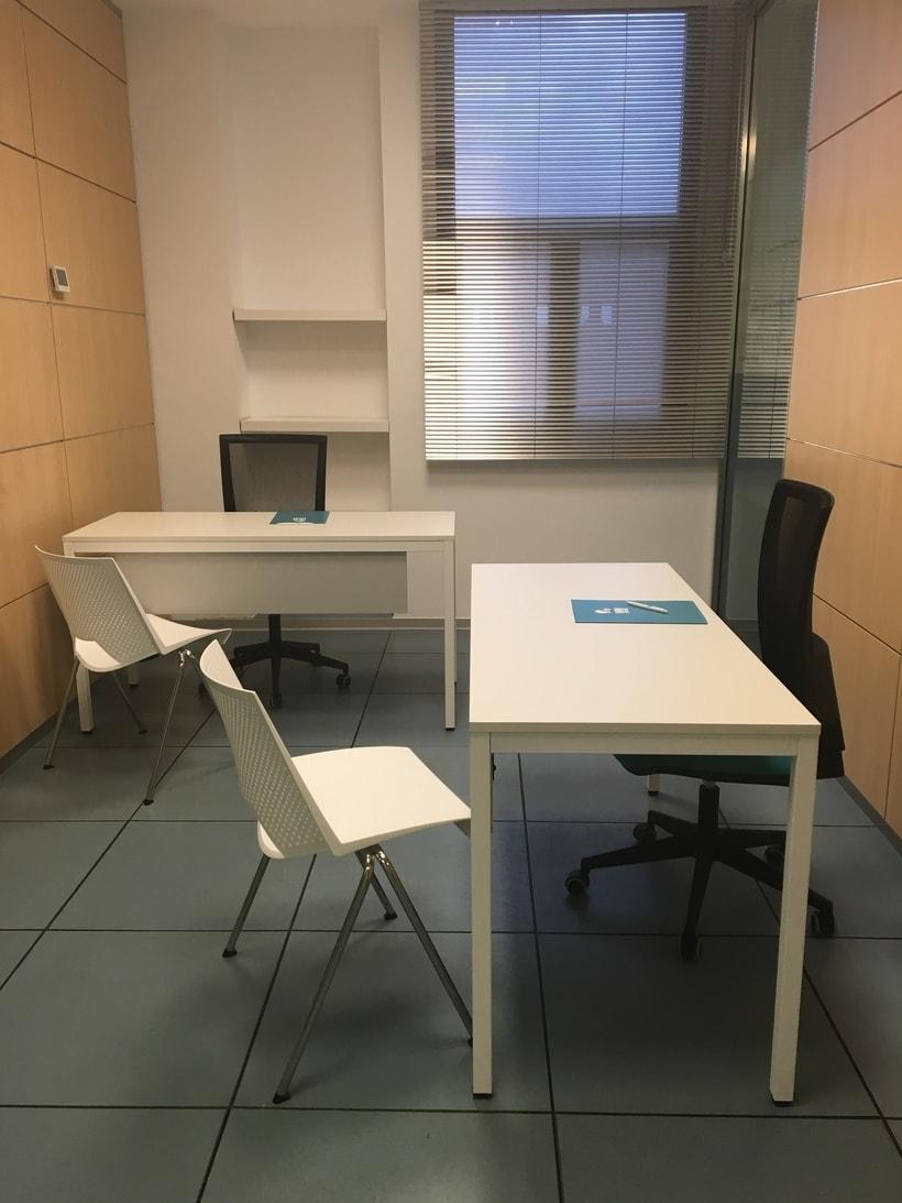 Centro de Negocios Inn Offices Aeropuerto despachos desde 350€/mes, salas reunión 15€/hora, salas formación o conferencias desde 20€/hora (dependiendo de aforo), Co-working  120€/mes, oficina virtual básica 40€/mes  o completa 75€/mes (Iva no incluido) 2