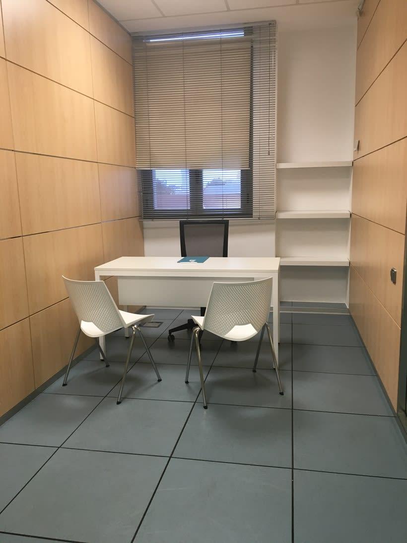Centro de Negocios Inn Offices Aeropuerto despachos desde 350€/mes, salas reunión 15€/hora, salas formación o conferencias desde 20€/hora (dependiendo de aforo), Co-working  120€/mes, oficina virtual básica 40€/mes  o completa 75€/mes (Iva no incluido) 1
