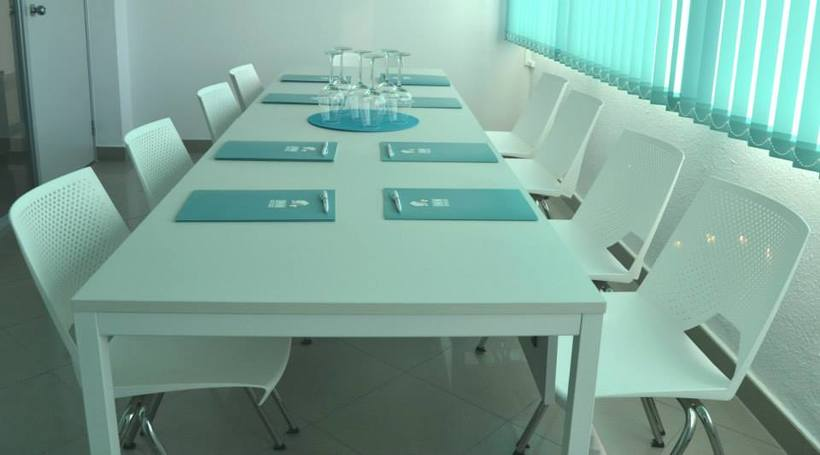 Salas de reunión o formación 1