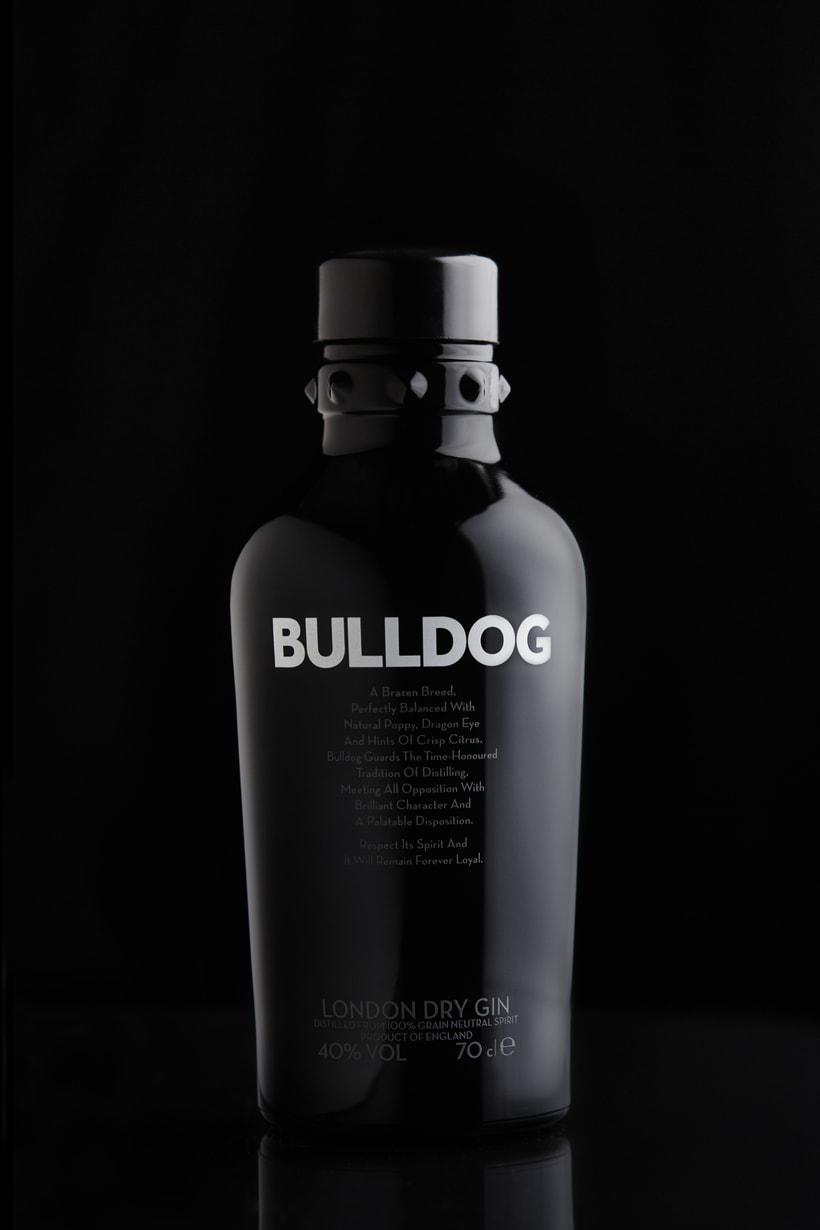 Mi Proyecto del curso: Fotografía de Producto Bulldog Gin -1