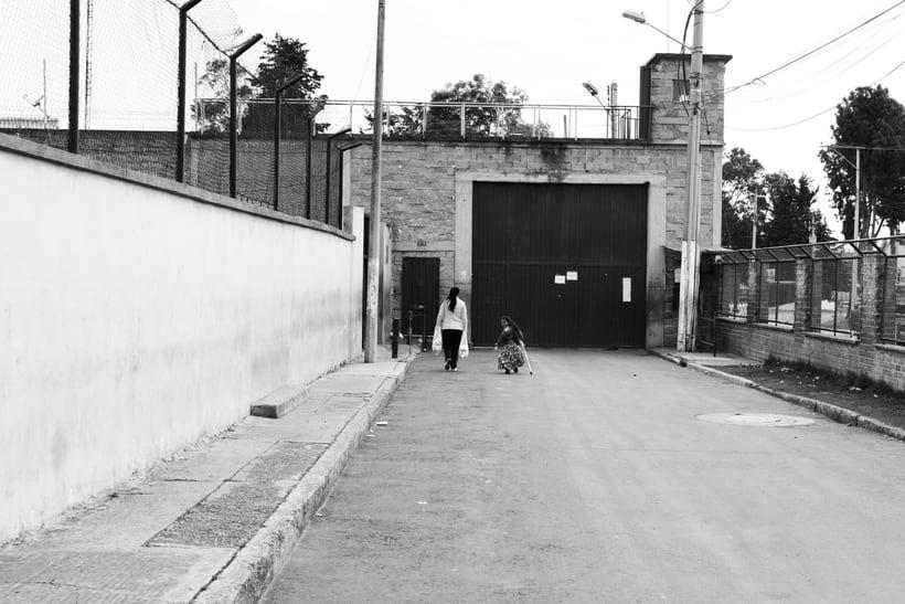 Mi Proyecto del curso: Un Domingo en la Carcel de Mujeres en Bogota,Colombia -1