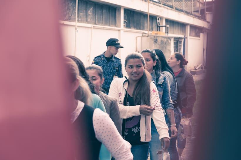 Mi Proyecto del curso: Un Domingo en la Carcel de Mujeres en Bogota,Colombia 8