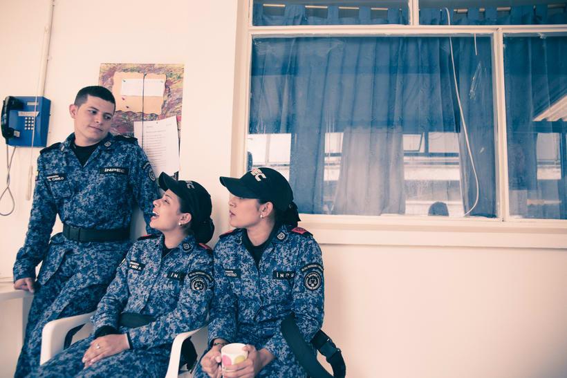 Mi Proyecto del curso: Un Domingo en la Carcel de Mujeres en Bogota,Colombia 9