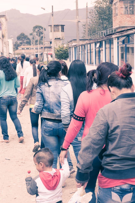Mi Proyecto del curso: Un Domingo en la Carcel de Mujeres en Bogota,Colombia 13