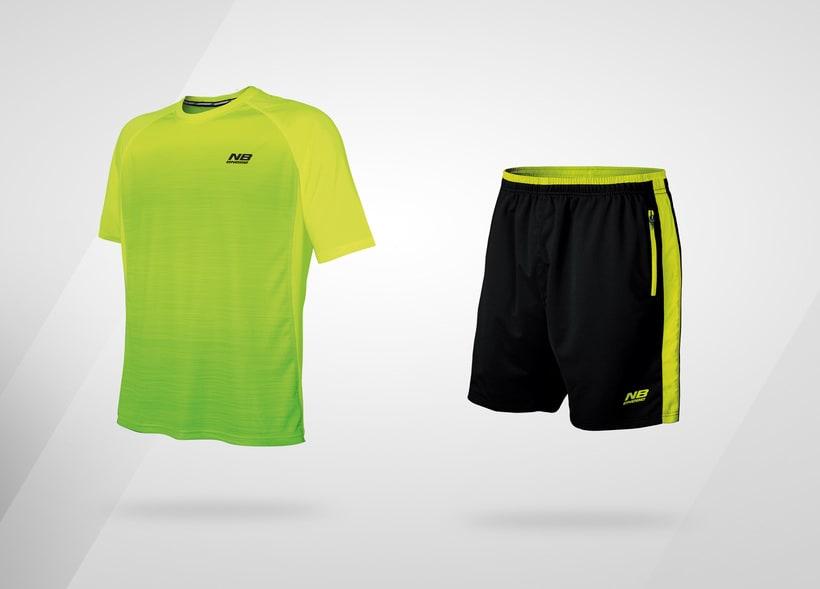 Camiseta y pantalón deportivo 0