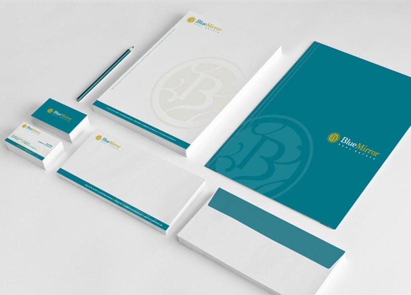Blue Mirror. Búsqueda de un nombre, diseño de logotipo y papelería básica para una empresa inmobiliaria ubicada en la localidad alicantina de Jávea. -1