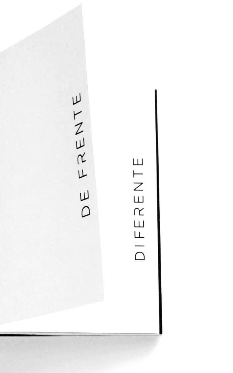 DE FRENTE - DIFERENTE. 1