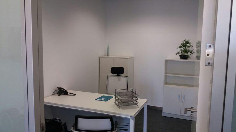 Centro de negocios inn offices cartuja despachos desde 550 for Oficina virtual sevilla