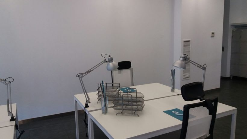Centro de Negocios Inn Offices Cartuja despachos desde 550€/mes, salas reunión 20€/hora, salas formación o conferencias desde 30€/hora (dependiendo de aforo), Co-working 180€/mes, oficina virtual básica 40€/mes o completa 75€/mes (Iva no incluido) 4