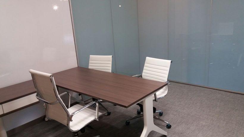 Centro de Negocios Inn Offices Cartuja despachos desde 550€/mes, salas reunión 20€/hora, salas formación o conferencias desde 30€/hora (dependiendo de aforo), Co-working 180€/mes, oficina virtual básica 40€/mes o completa 75€/mes (Iva no incluido) 7