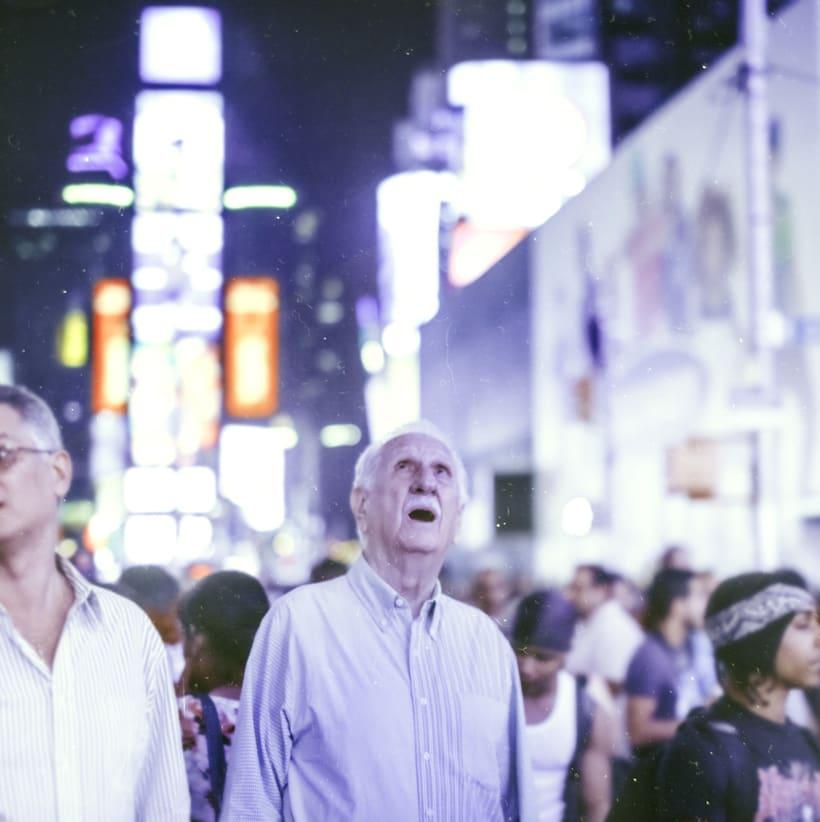Gente en la calle. 1
