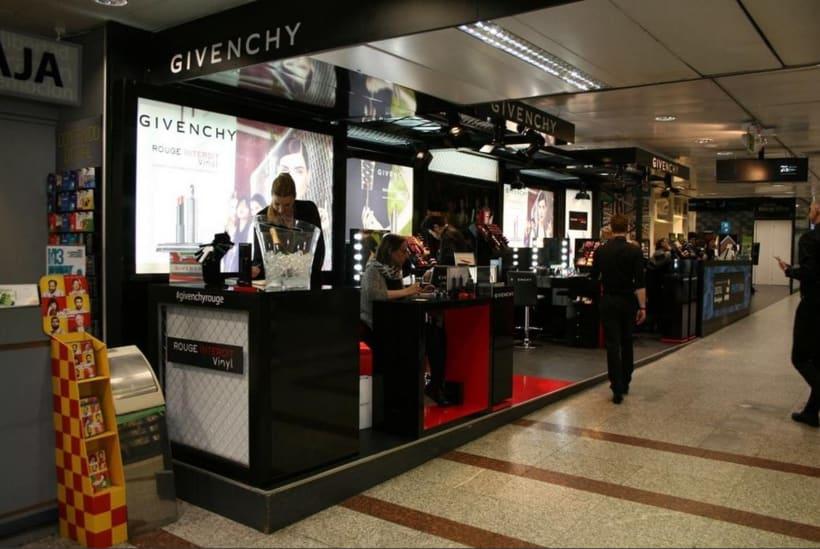 Givenchy 0