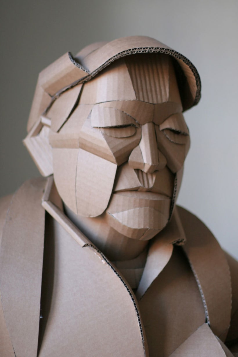 Warren King y sus realistas esculturas de cartón  1