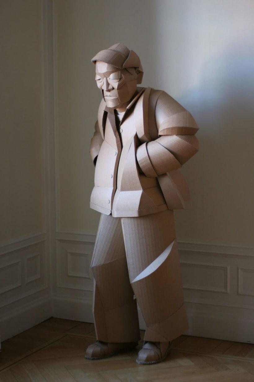 Warren King y sus realistas esculturas de cartón  4