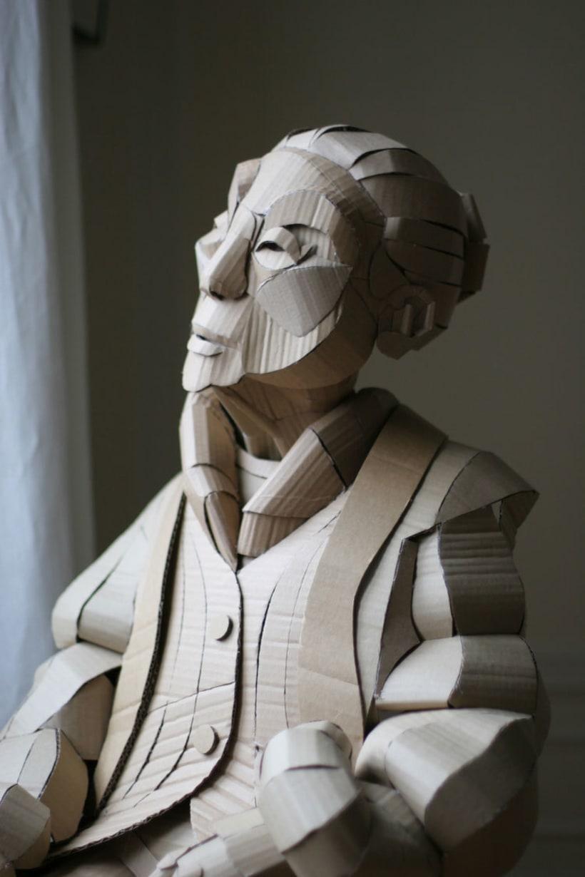 Warren King y sus realistas esculturas de cartón  5