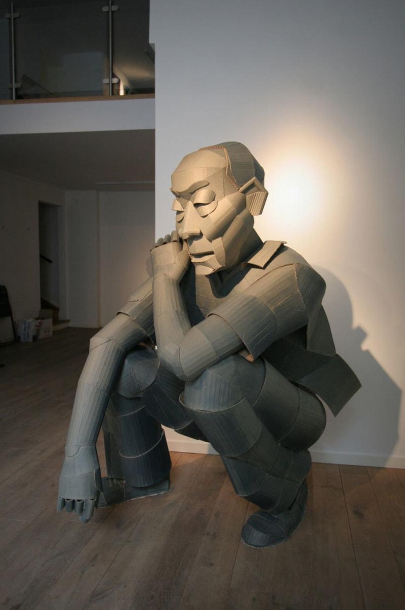 Warren King y sus realistas esculturas de cartón  9