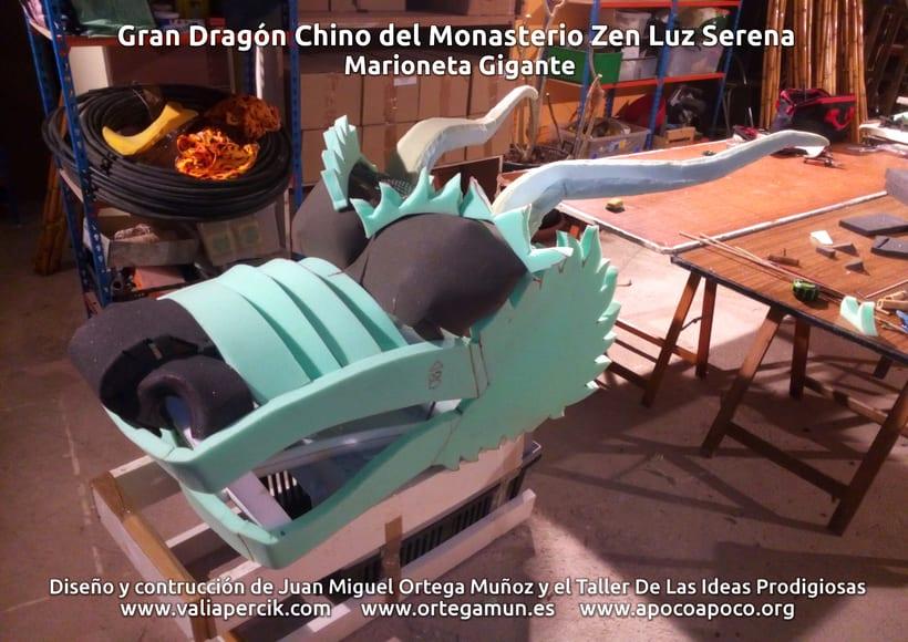 Gran dragón chino del Monasterio Zen Luz Serena. Marioneta gigante 3