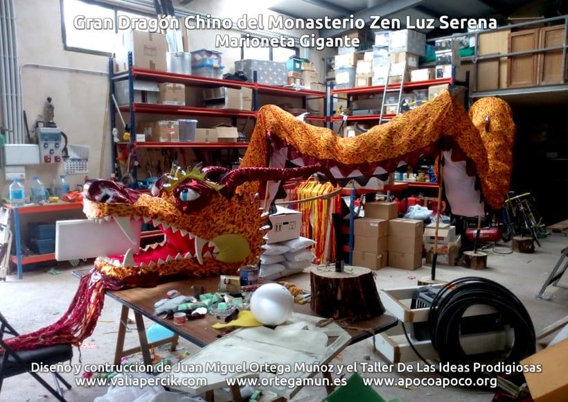 Gran dragón chino del Monasterio Zen Luz Serena. Marioneta gigante 8