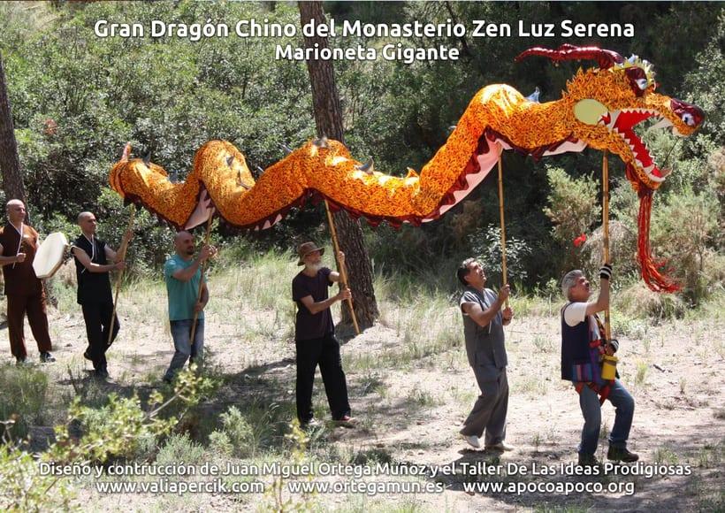 Gran dragón chino del Monasterio Zen Luz Serena. Marioneta gigante 9