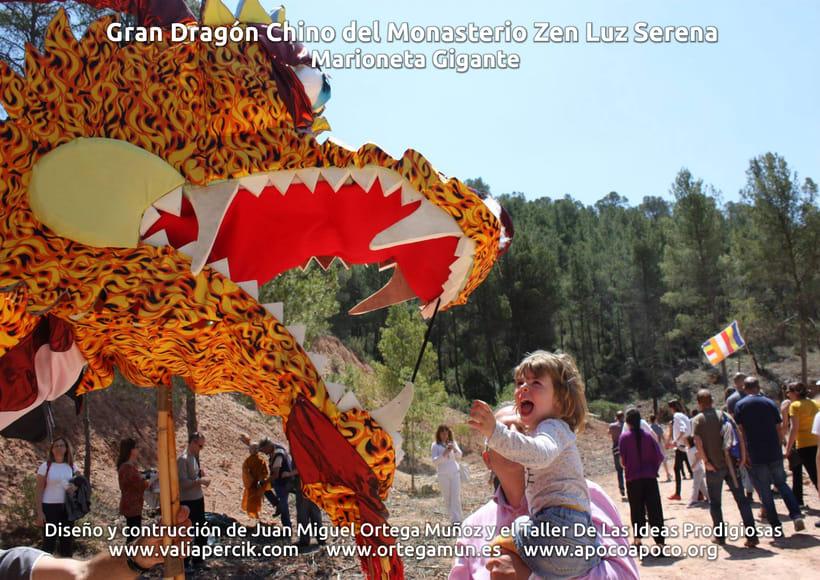 Gran dragón chino del Monasterio Zen Luz Serena. Marioneta gigante 10