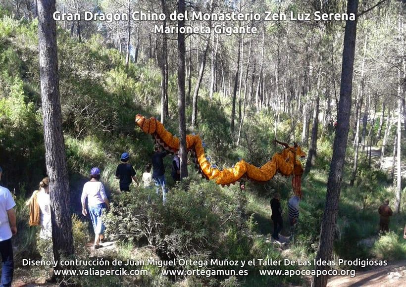 Gran dragón chino del Monasterio Zen Luz Serena. Marioneta gigante 13