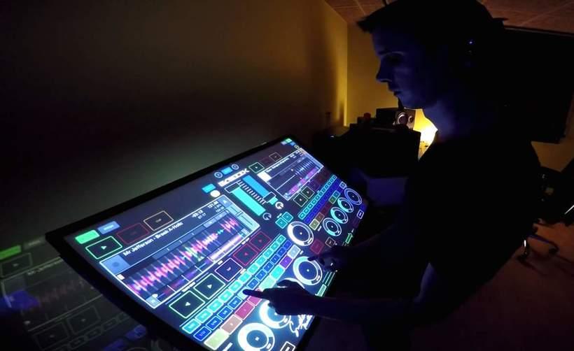 PROYECTO PERSONAL: Ensamblaje, configuración y mapeo MIDI de una superfície táctil 2