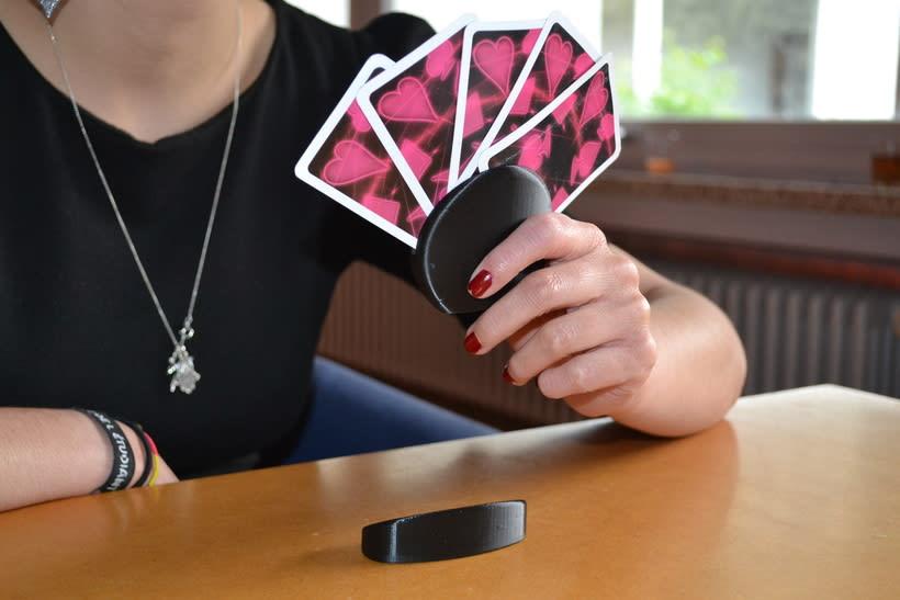 Rediseño de Soporte para jugar a las Cartas 1