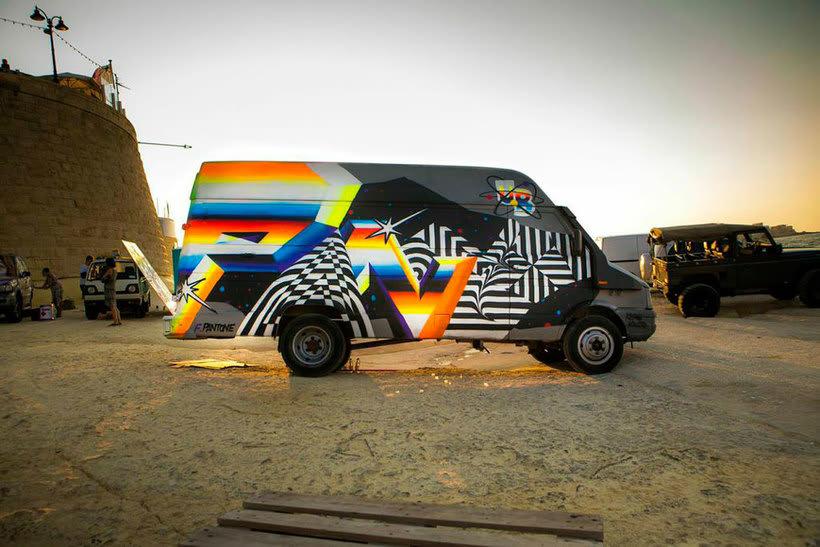 Felipe Pantone: arte urbano con vistas al hiperespacio 11