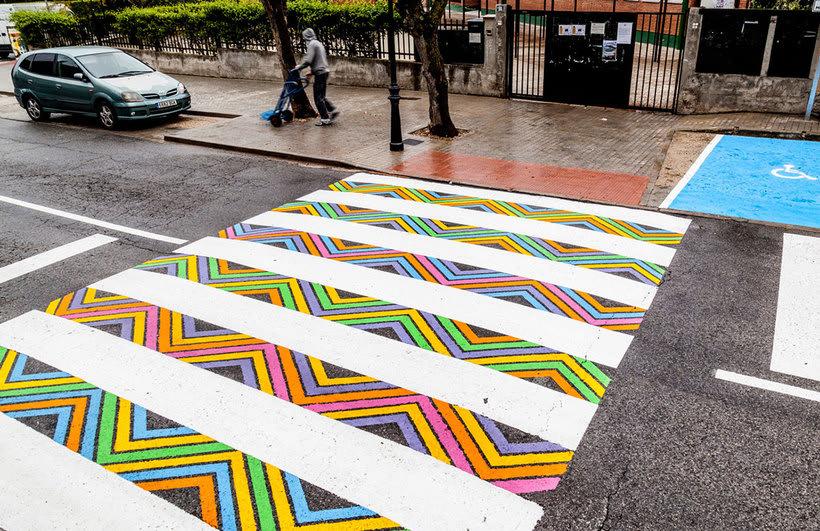 Christo Guelov llena de color los pasos de cebra de Madrid 1