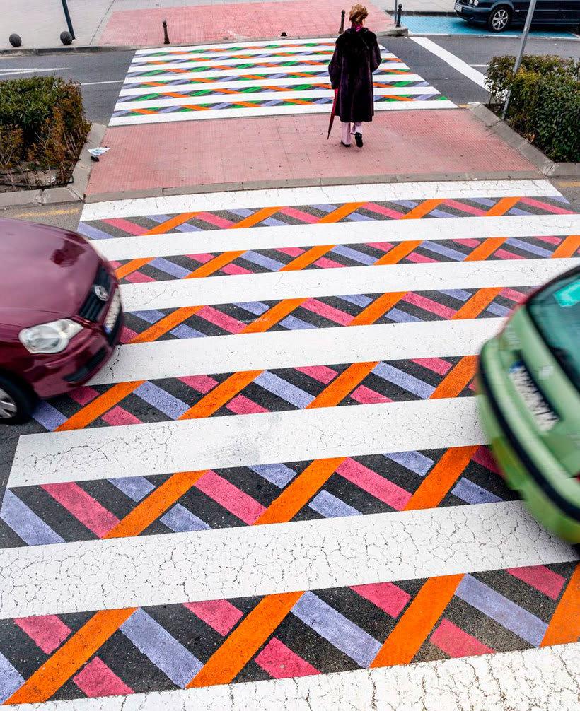 Christo Guelov llena de color los pasos de cebra de Madrid 11