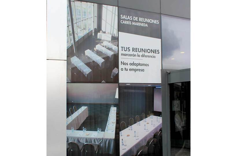 Rotulación Hotel Carrís Marineda 4