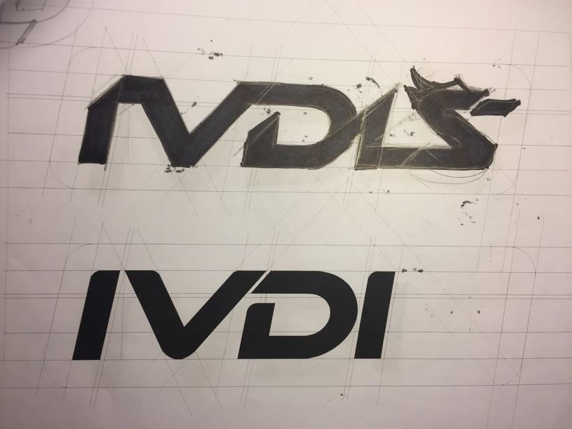 Diseño del logotipo de IVDIS (monograma a usar mas adelante: Dragón) 4