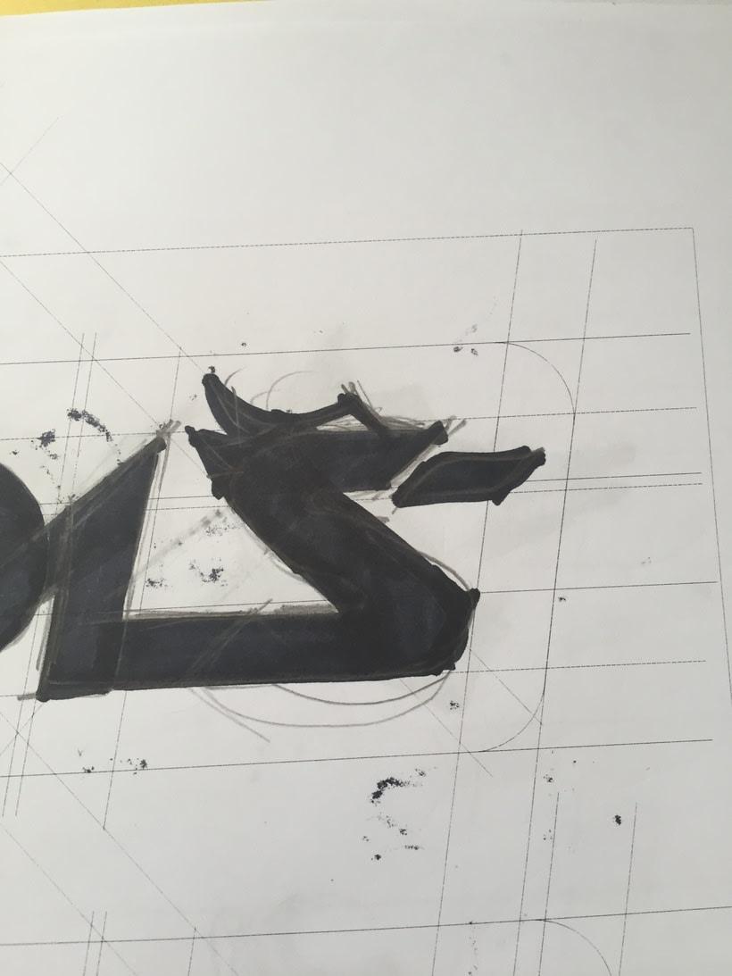 Diseño del logotipo de IVDIS (monograma a usar mas adelante: Dragón) 11