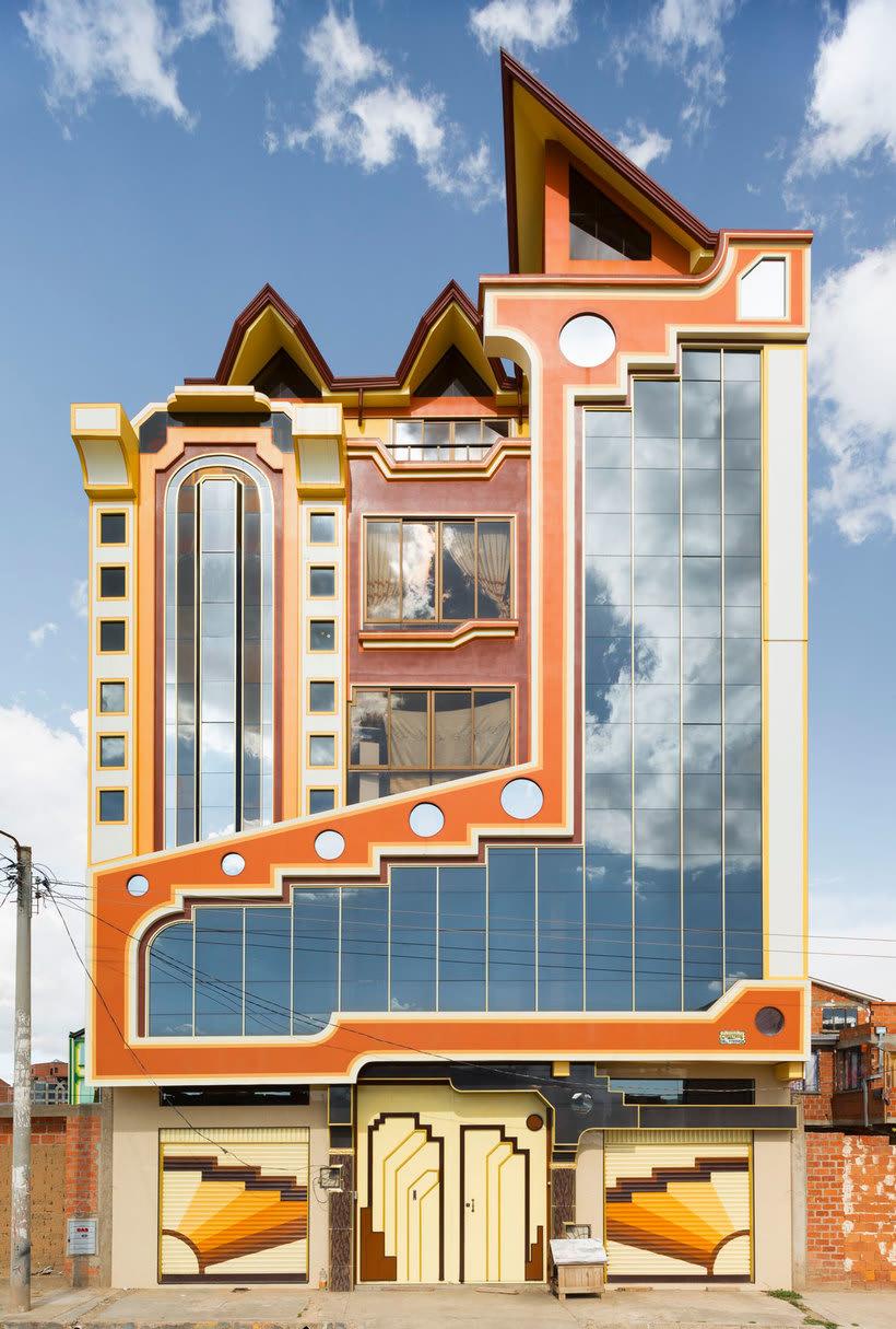 Freddy Mamani Es El Rey De La Arquitectura Andina Domestika