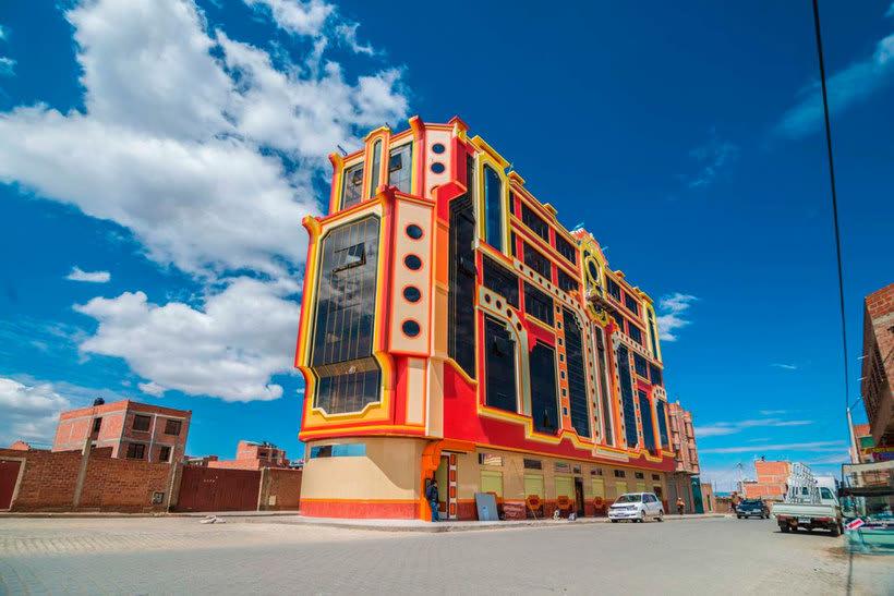 Freddy Mamani es el rey de la arquitectura andina 8
