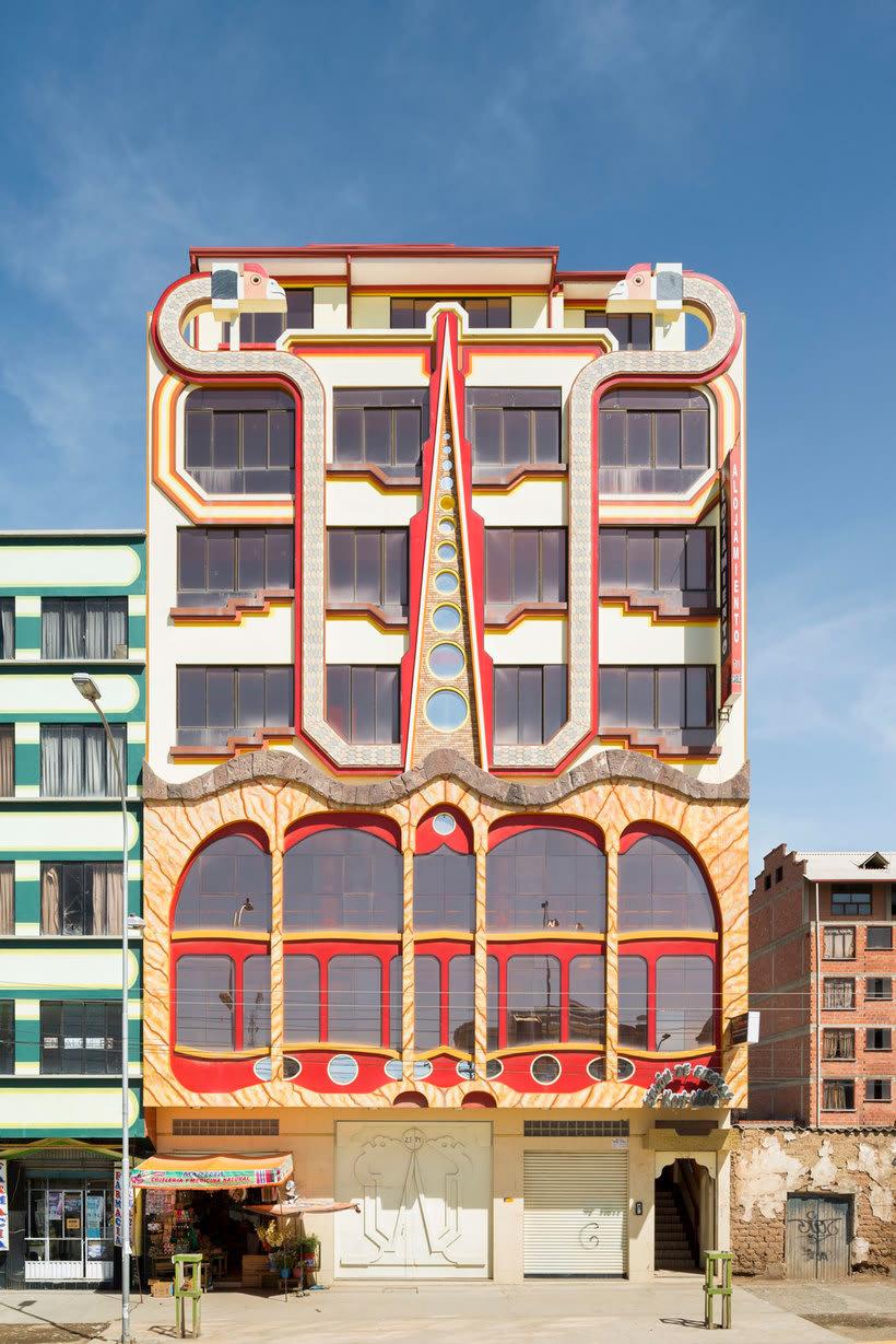 Freddy Mamani es el rey de la arquitectura andina 13
