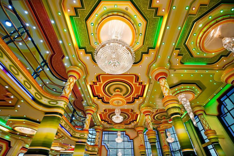 Freddy Mamani es el rey de la arquitectura andina 10