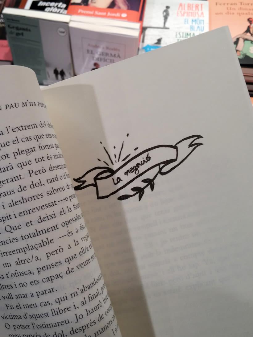 """Ilustración de portada y letterings del libro """"En Pau m'ha deixat"""" de Núria Casas 4"""
