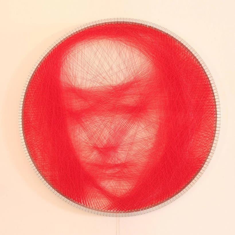 Los retratos, creados con hilo, de Petros Vrellis 8