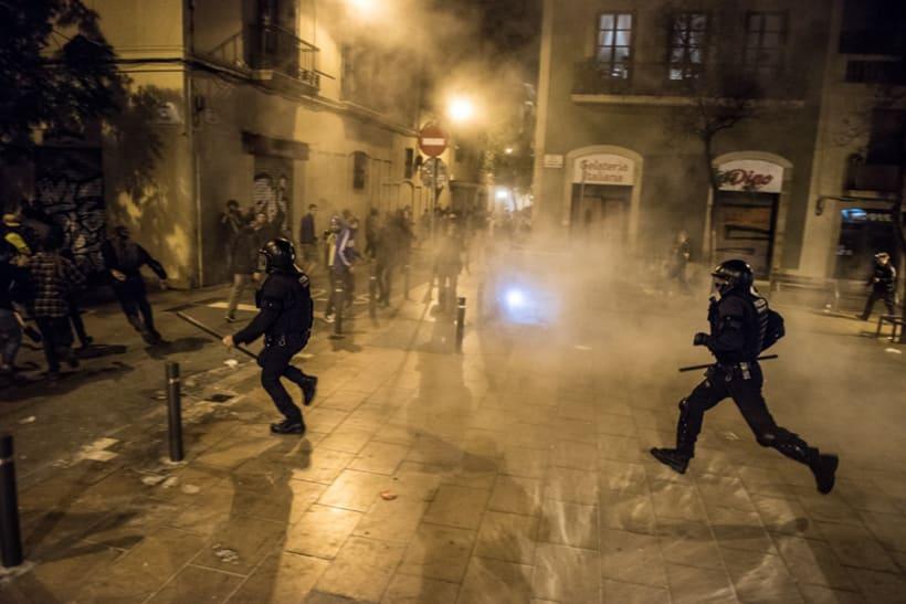 Disturbios en el barrio de Gràcia, Barcelona 14